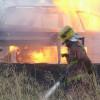 Un vehicle incendiat ha provocat llargues retencions a l'autovia A2 aquesta nit